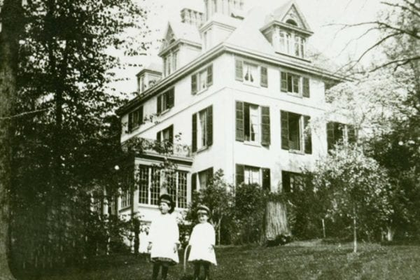 Young Henry Francis with his sister, Louise, at Winterthur, ca. 1884