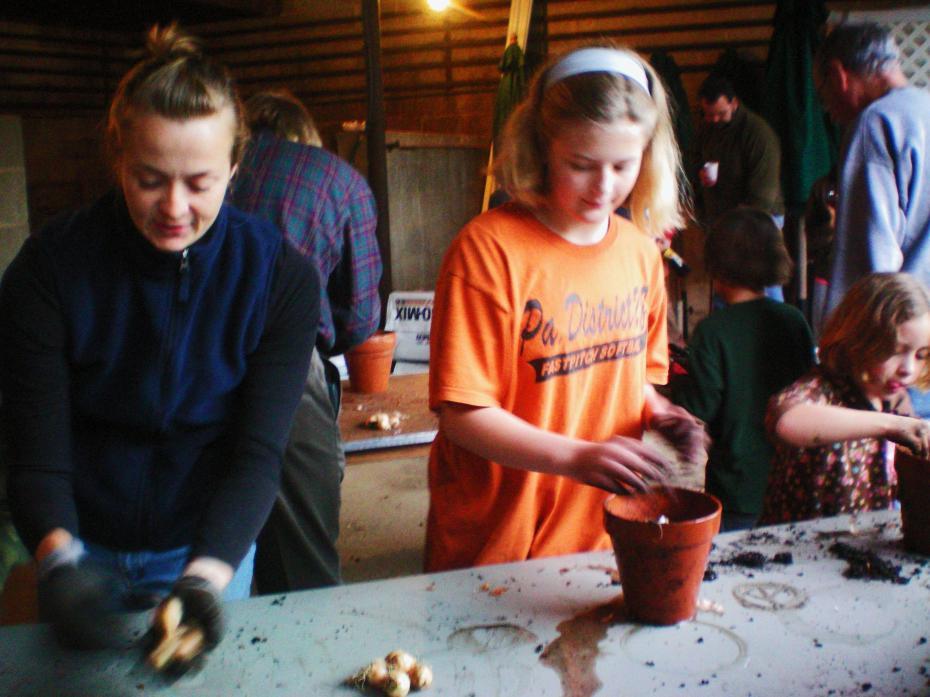 kids garden filling pots