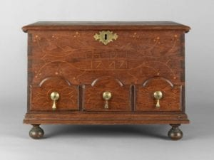 Small chest-over-drawers,
